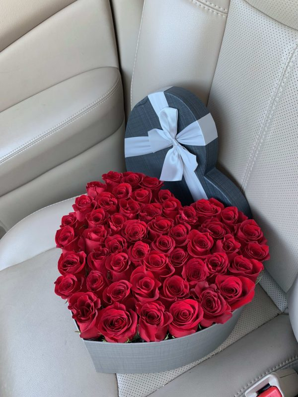 50 red roses delivery 1