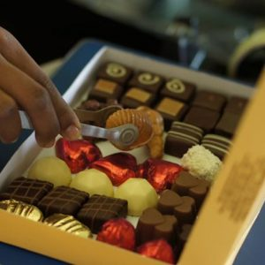 send chocolate box madagascar