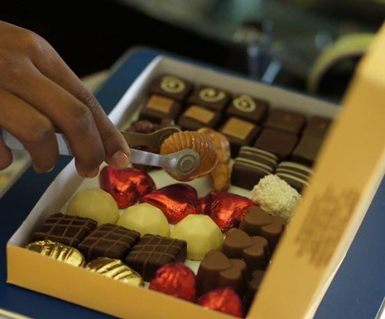 send chocolate box madagascar
